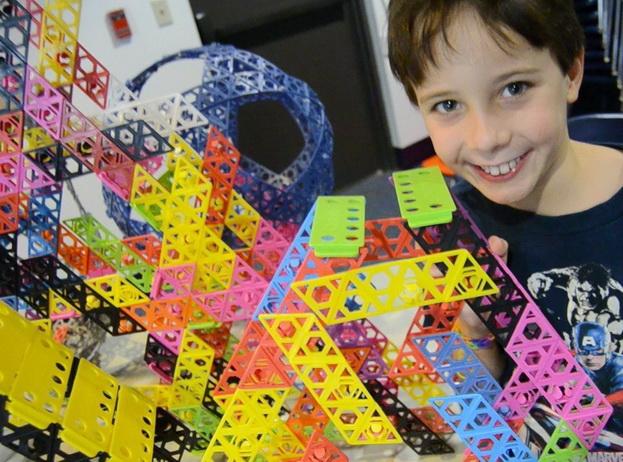 Qubits Rainbow Kit interlocking building toys